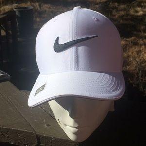 NEW Nike Golf Unisex Hat